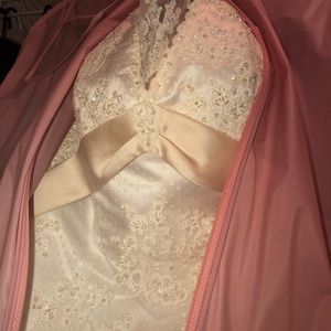 Dresses & Skirts - GORGEOUS PLUS SIZE WEDDING GOWN
